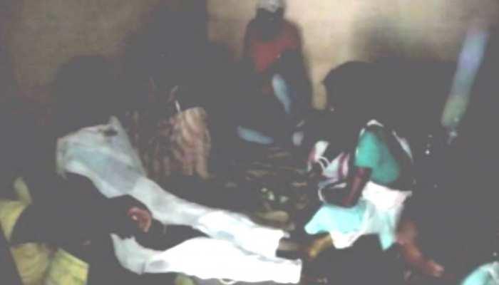 घाटशिला: सांप काटने के बाद महिला की हुई मौत, लेकिन अंधविश्वास ऐसा कि अब भी है जिंदा होने की आस