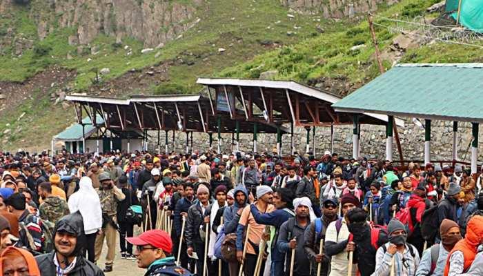 अमरनाथ यात्रा: 24 दिनों में लगभग 3 लाख भोले के भक्तों ने किए बाबा बर्फानी के दर्शन