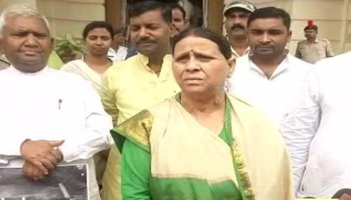 बिहार विधान परिषद में RJD का हंगामा, राबड़ी देवी बोली- 'सुशील मोदी की संपत्ति की होनी चाहिए जांच'