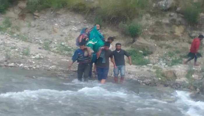 उत्तराखंड: बारिश का कहर, भूस्खलन और मलबा आने से कई सड़कें बंद, चार धामों की यात्रा बाधित