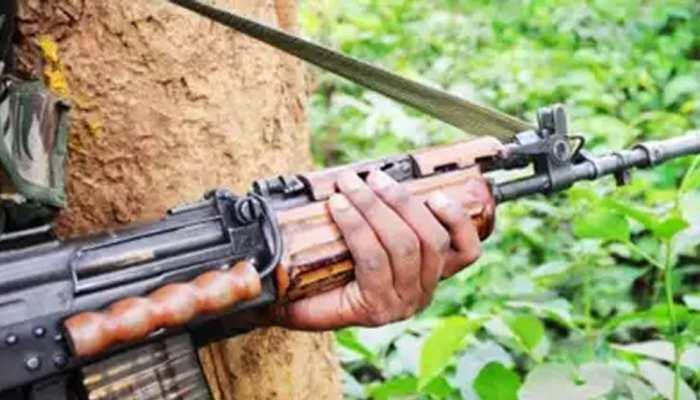 बिहार : औरंगाबाद में पुलिस-नक्सली मुठभेड़, 3 ढेर, AK-47 सहित 7 हथियार बरामद