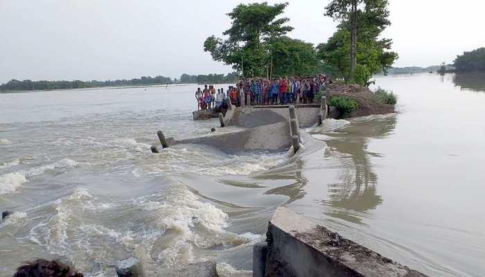 बिहार में बाढ़ का कहर जारी, आज भी खतरे के निशान से ऊपर बह रही हैं 7 नदियां