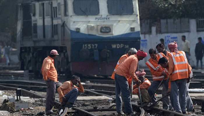 भारतीय रेलवे में 3 लाख कर्मचारियों की हो सकती है छंटनी, रेलवे बोर्ड ने सभी जोन प्रमुख को लिखी चिट्ठी