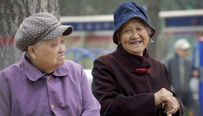 पूरी दुनिया में सबसे तेज बुढ़ापे की ओर बढ़ रहा चीन, आंकड़े देखकर दंग रह जाएंगे आप