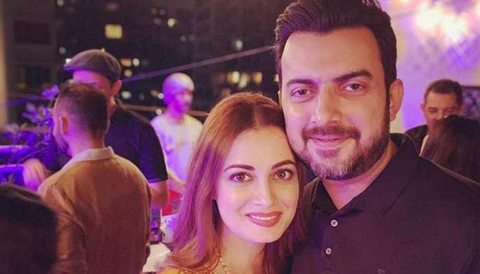 Shocking: 11 साल बाद दीया मिर्जा पति से हुईं अलग, सोशल मीडिया पर सुनाया फैसला