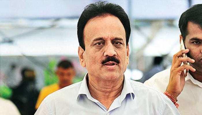 फडणवीस सरकार के मंत्री का दावा- 'BJP में शामिल होना चाहते हैं विपक्ष के 50 विधायक'