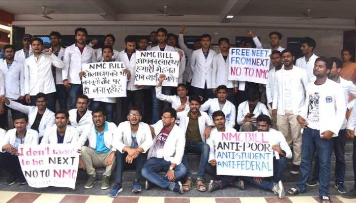 NMC बिल पर बवाल: 5वें दिन भी देशभर में डॉक्टर करेंगे हड़ताल, मरीज बेहाल
