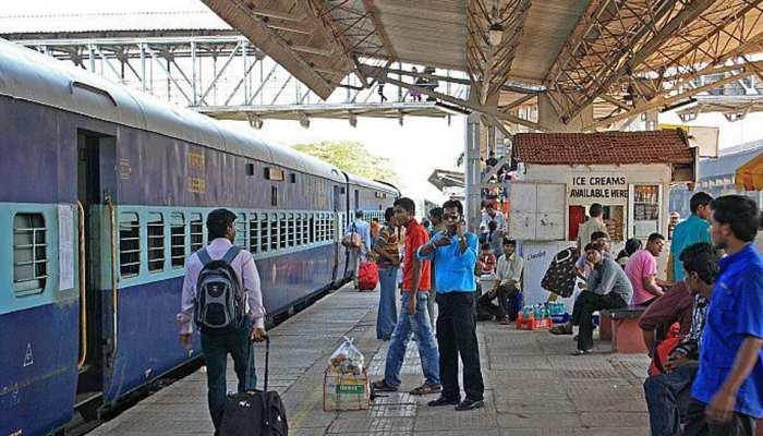 मथुरा: चलती ट्रेन में पर्स लूटकर भाग रहे लुटेरे का पीछा कर रहीं मां-बेटी की ट्रेन से गिरकर मौत