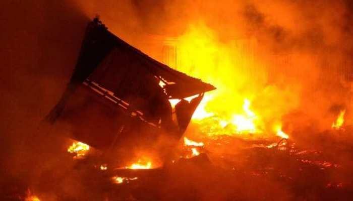 छत्तीसगढ़ः गैस सिलेंडर और लोहे से भरे दो ट्रकों में भिड़ंत से ब्लास्ट, हादसे में 1 की मौत