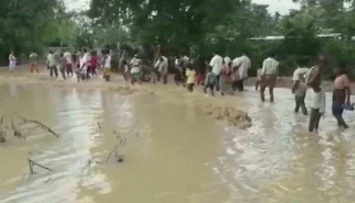 बिहार में भीषण बाढ़ का कहर जारी, अब सता रहा बीमारी फैलने का डर