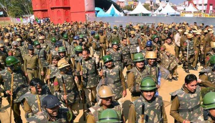बड़ी खबर: जम्मू-कश्मीर भेजे जा रहे अर्धसैनिक बल के 8 हजार जवान, सेना और एयरफोर्स अलर्ट