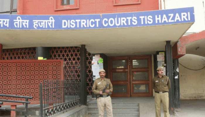 उन्नाव केसः 8 अन्य आरोपियों की तीस हजारी कोर्ट में पेशी, पीड़िता के वकील को एम्स लाया जाएगा
