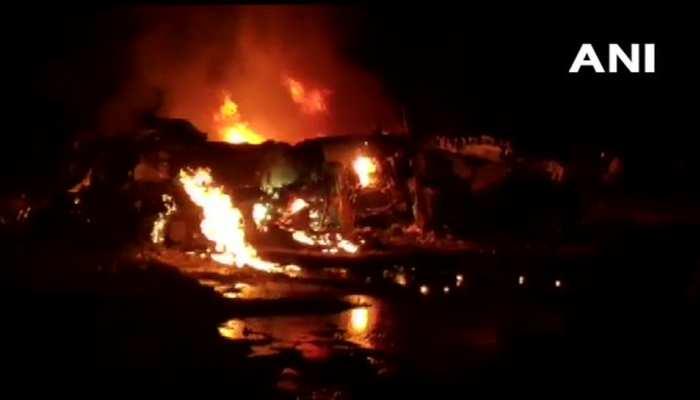 असम: क्रैश हुआ सुखोई-30, धू-धू कर जलता दिखा मलबा