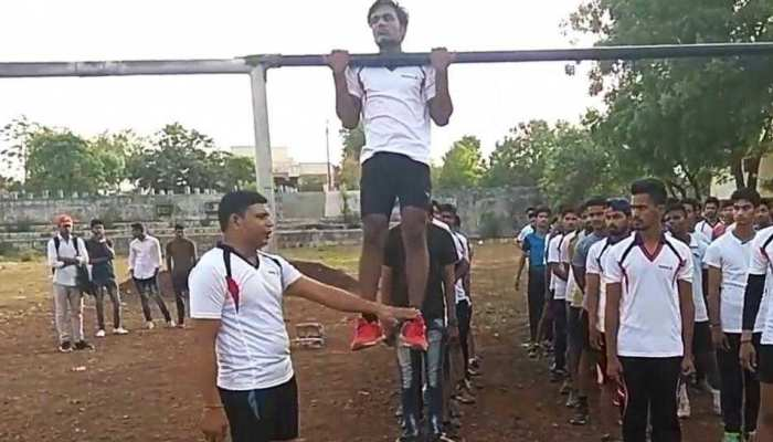 Sunderlal Bhanwar is running a free fitness camp in Neemuch