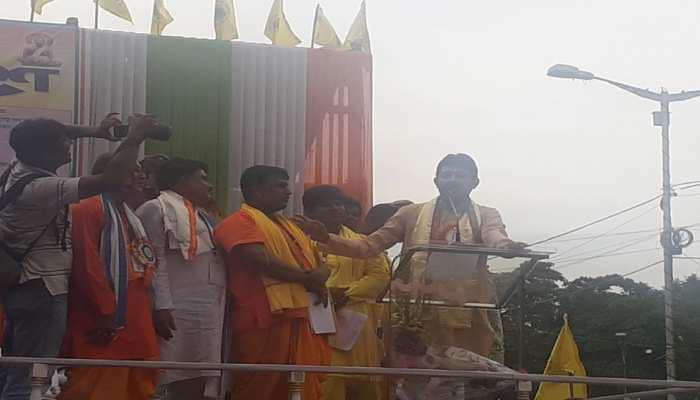 पश्चिम बंगाल: अब हिंदू कार्ड खेलने की तैयारी में तृणमूल कांग्रेस, पुरोहितों को मिलेगी कुछ खास सौगात