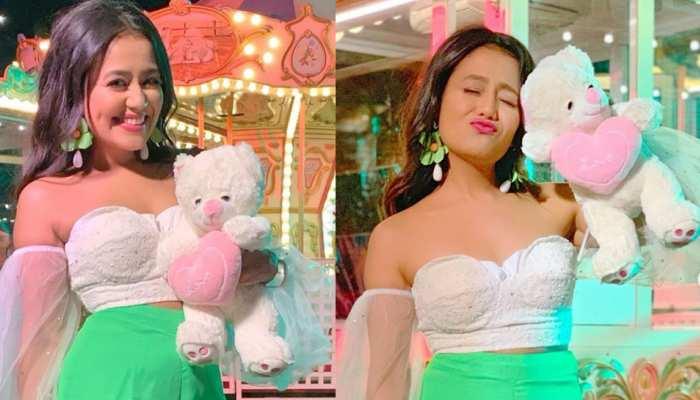 PHOTOS: क्या एक बार फिर प्यार में हैं नेहा कक्कड़, इस शख्स को कर रही हैं डेट!