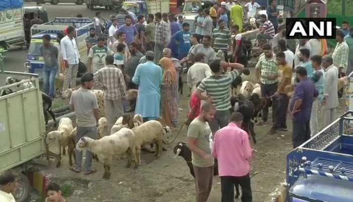 जम्मू कश्मीरः बाजारों में दिखी रौनक, ईद की खरीददारी में जुटे लोग