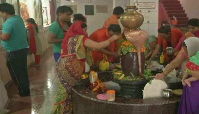 राजस्थान: अंतिम सोमवारी पर शिवालयों में भक्तों की उमड़ी भीड़, निकली शोभायात्रा