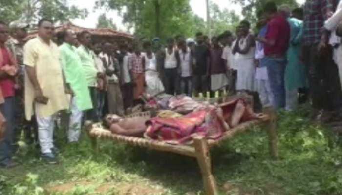 झारखंडः कर्ज से परेशान शख्स ने पत्नी-बच्चों की कर दी हत्या, खुद भी कर लिया सुसाइड