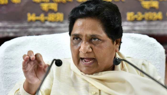 सोनभद्र नरसंहार: मायावती ने कांग्रेस-SP पर साधा निशाना, कहा- घड़ियाली आंसू बहा रहे हैं