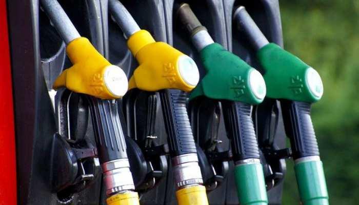 नोएडा: इस पेट्रोल पंप पर मिली गड़बड़ी की शिकायत, मजिस्ट्रेट ने किया सील
