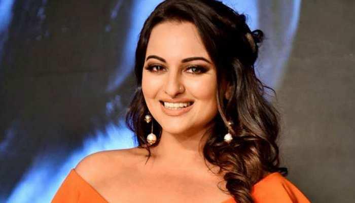 मुरादाबाद: अभिनेत्री सोनाक्षी सिन्हा ने दर्ज कराया बयान, धोखाधड़ी करने का लगा है आरोप