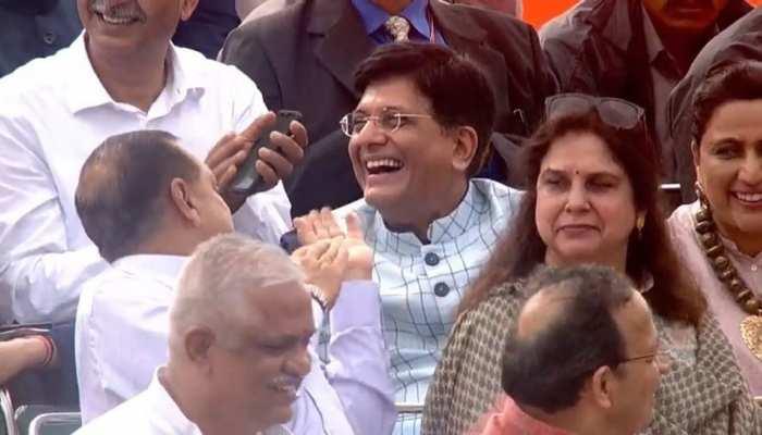 लाल किले से पीएम मोदी ने भारतीय रेल के लिए कही ऐसी बात, सुनकर जोर से हंस पड़े रेल मंत्री