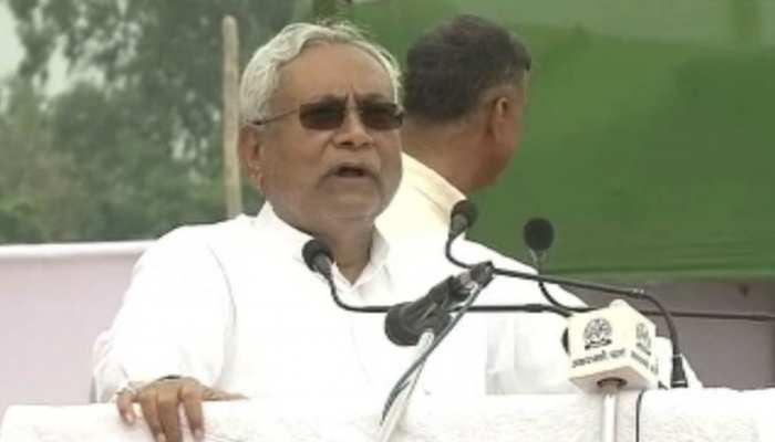 स्वतंत्रता दिवस पर मिशन 2020 में जुटे नीतीश कुमार, अपने कार्यकाल की योजनाओं का दिया ब्यौरा