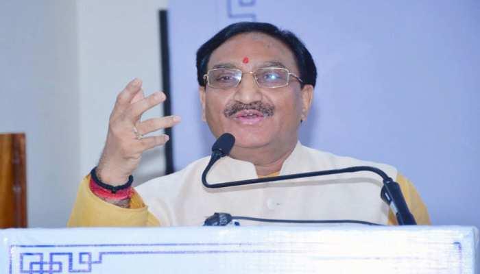संस्कृत वैज्ञानिक भाषा है, यह साबित करेंगी आईआईटी, एनआईटी