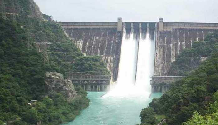 हिमाचल के भाखड़ा बांध से छोड़ा गया 50 हजार क्यूसेक पानी, हाई अलर्ट जारी