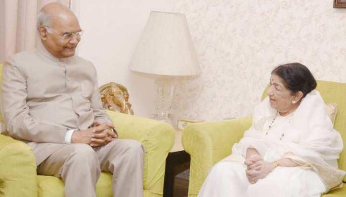 लता मंगेशकर के घर पहुंचे राष्ट्रपति रामनाथ कोविंद, ट्वीट कर सिंगर बोलीं- 'धन्य हुई'