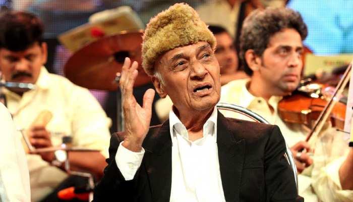संगीतकार खय्याम की राजकीय सम्मान के साथ होगी अंतिम विदाई, गुलजार, सोनू निगम पहुंचे