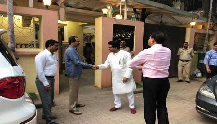 प्रवर्तन निदेशालय के भेजा समन तो 'भाई' राज ठाकरे के समर्थन में आए उद्धव ठाकरे
