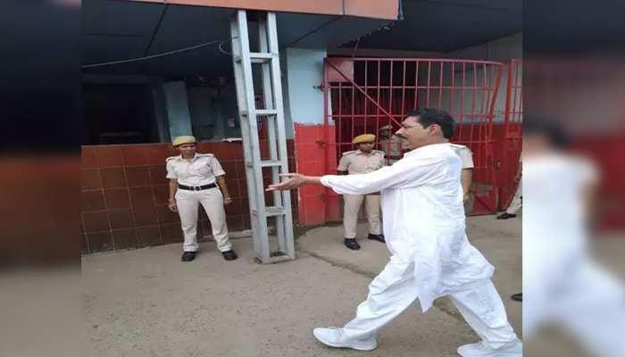 बेउर जेल में अनंत सिंह के पड़ोसी है राजबल्लभ और विजयकृष्ण, जेल में खाने को मांगा सेबई