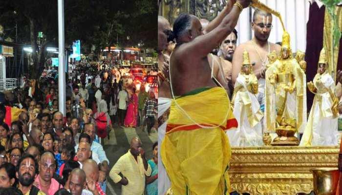 तिरुपति मंदिर में भक्तों का तांता, घंटों लाइन में लगकर ले रहे हैं बालाजी का आशीष