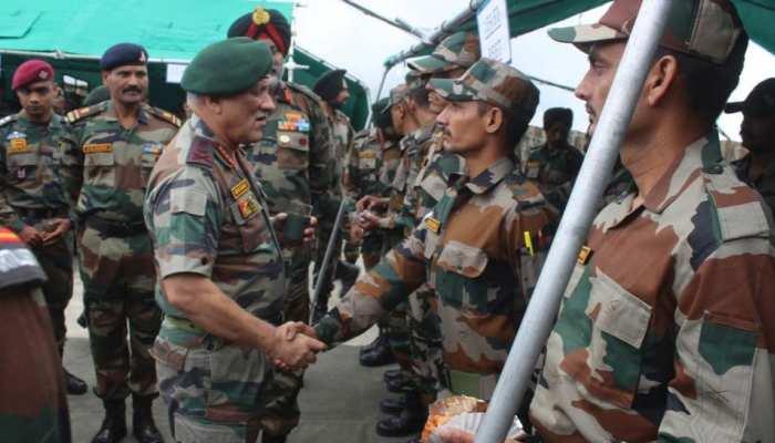आज LoC से सटे इलाकों का दौरा करेंगे सेना प्रमुख, पाक गोलाबारी के पीड़ितों से करेंगे मुलाकात