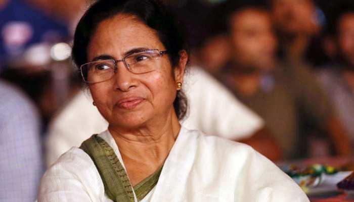बंगाल में दुर्गा पूजा पंडालों के लिए ममता देंगी आर्थिक मदद, कहा- 'राजनीति नहीं होने दूंगी'