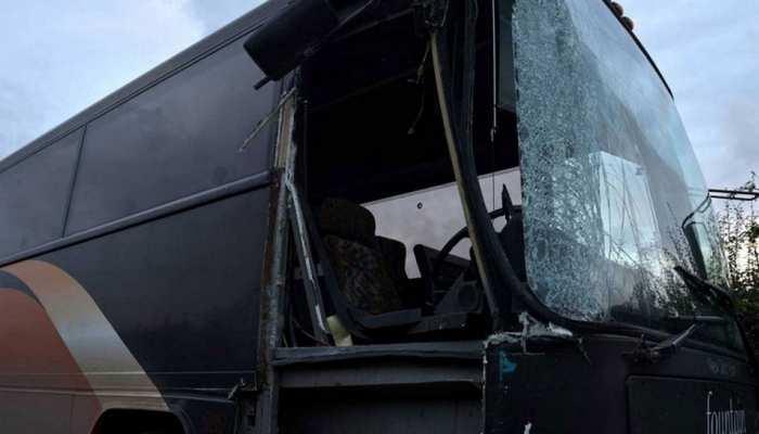 पाकिस्तान में यात्रियों से भरी बस नाले में जा गिरी, 24 लोगों की मौत