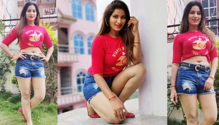 OTOS: These pictures of Poonam Dubey viral on Internet
