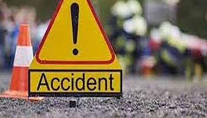 मुरादाबाद में सड़क हादसे में 5 की मौत, एक बुरी तरह घायल