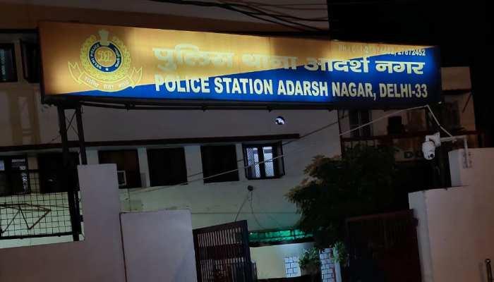 दिल्ली में SHO समेत पांच पुलिसकर्मियों पर मुकदमा दर्ज, लॉ के छात्र को पीटने का आरोप
