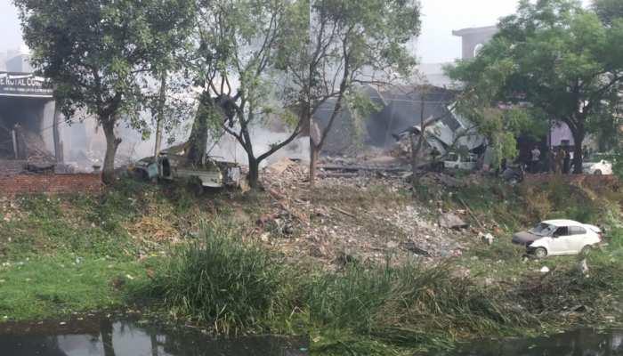 पंजाब: गुरदासपुर में पटाखा फैक्ट्री में हुआ धमाका, 18 की मौत, कई घायल