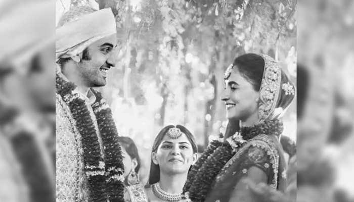 OH REALLY! क्या रणबीर कपूर और आलिया भट्ट ने गुपचुप तरीके से रचा ली शादी! See Pic...
