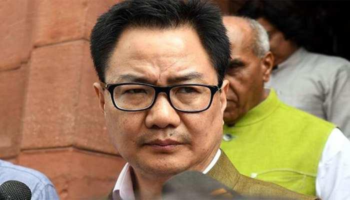 खेल मंत्री रिजिजू ने एक स्विमिंग कोच के लिए कहा, 'इसे पूरे भारत में कहीं नौकरी न दी जाए'