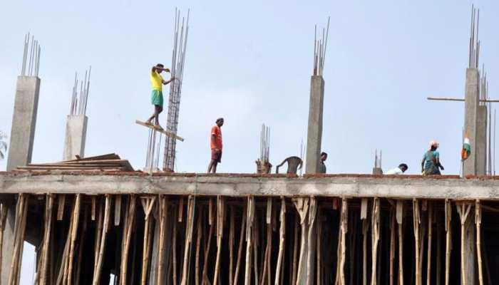 दिल्ली: नरेला में बड़ा हादसा, निर्माणाधीन इमारत की 13वीं मंजिल से गिरी लिफ्ट, 9 लोग घायल