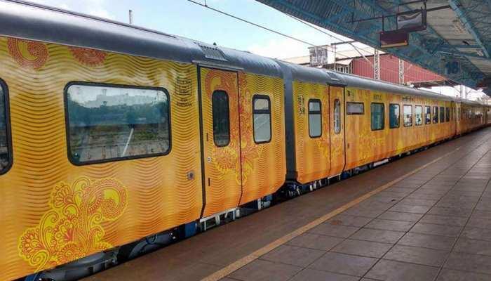 Exclusive : नवरात्रों में चलेगी देश की पहली प्राइवेट ट्रेन तेजस एक्सप्रेस, इस दिन से कराएं टिकट बुकिंग