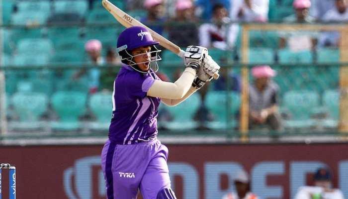 15 साल की उम्र में इस क्रिकेटर को मिला नेशनल टीम में मौका, साउथ अफ्रीका के खिलाफ खेलेंगी