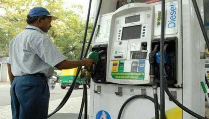 लगातार दूसरे दिन सस्ता हुआ पेट्रोल-डीजल, ये रहा आज का भाव