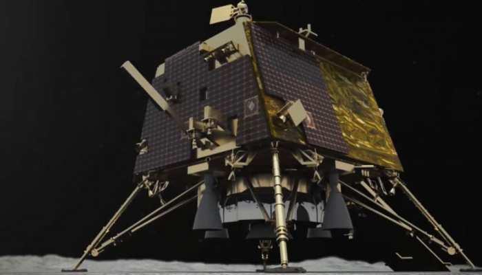 चंद्रयान-2: चांद के 2 बड़े गड्ढों के बीच उतरेगा 'विक्रम', 14 दिन तक करेगा शोध