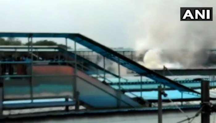 नई दिल्ली रेलवे स्टेशन पर खड़ी चंडीगढ़-कोचुवेली एक्सप्रेस में लगी आग
